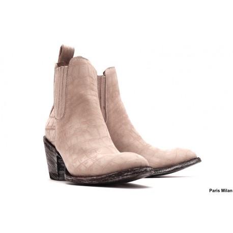 Boots en cuir beige façon crocco