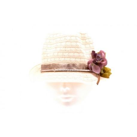 Chapeau en tissus dentelle customisé