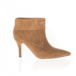 Bottines en suede camel à bout pointu et talon fin