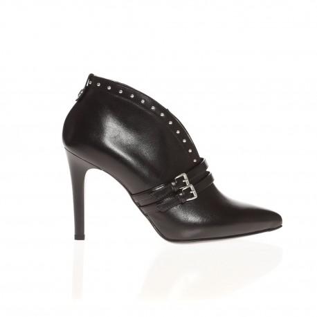 Low boots noires à bouts pointus et talons fin Nero Giardini